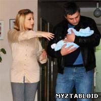 Тига Кароль с мужем и малышом!