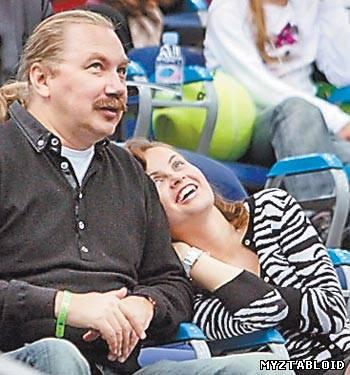Игорь Николаев с невестой